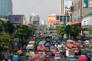 FOTO 2 _ Creative commons - Christian Haugen_Multicolored traffic jam in Bangkok