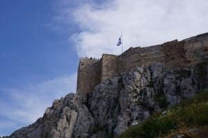 Flaggan på toppen av Akropolis Foto: Amanda Seebass
